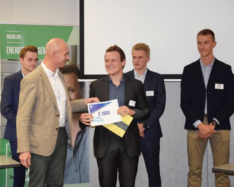 Toon stoot junior energy manager of the year 2019 ap hogeschool antwerpen